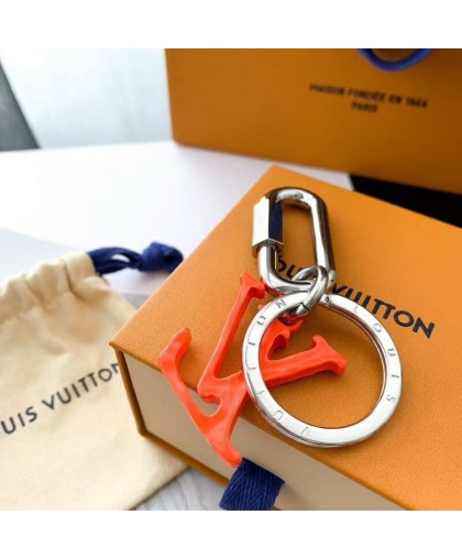 БРЕЛОК LOUIS VUITTON буква L